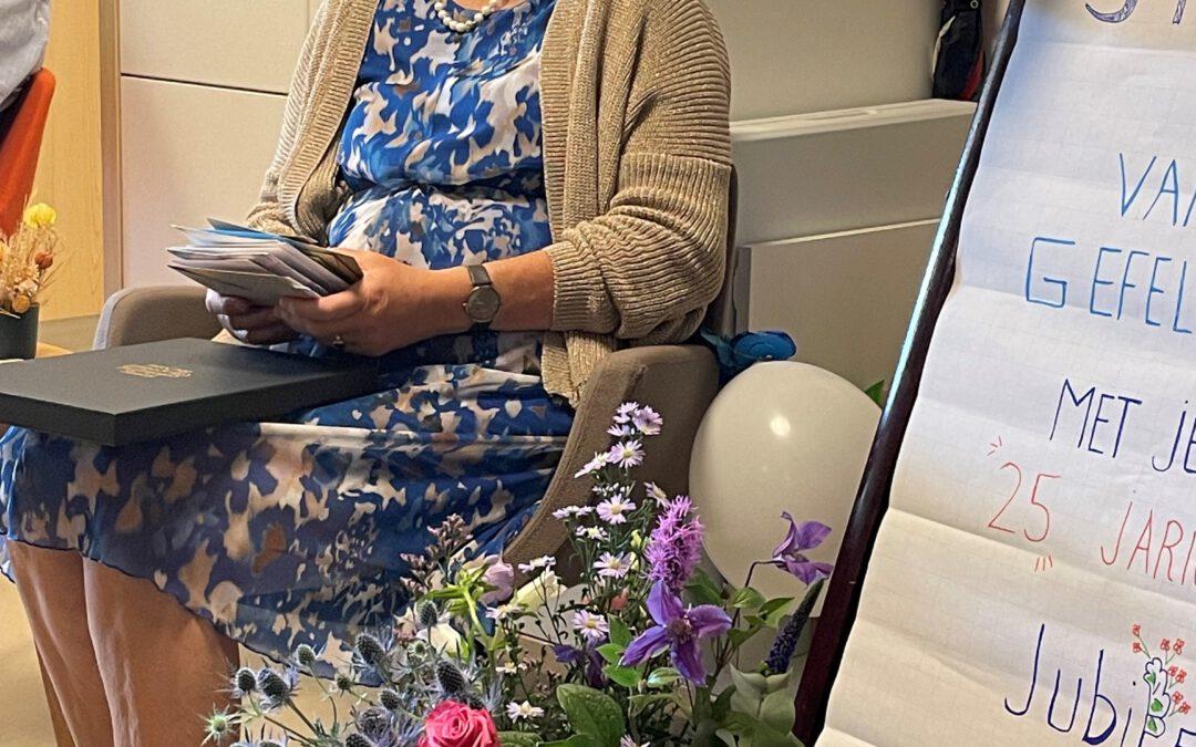 Vrijwilliger Irene van der Berg viert haar 25-jarige jubileum